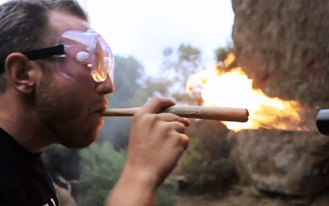 Cannabis-Danni-Polmoni-Piu-Male-Sigarette