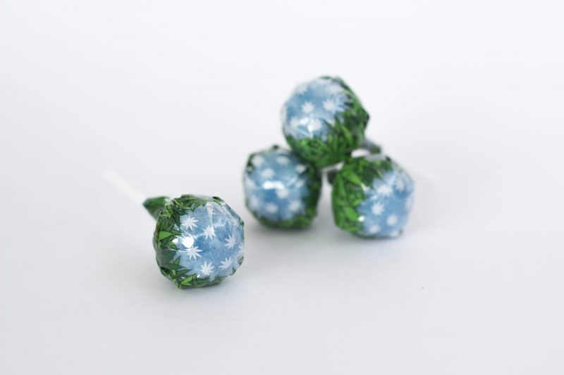 CBWEED-Lollipops-Blueberry